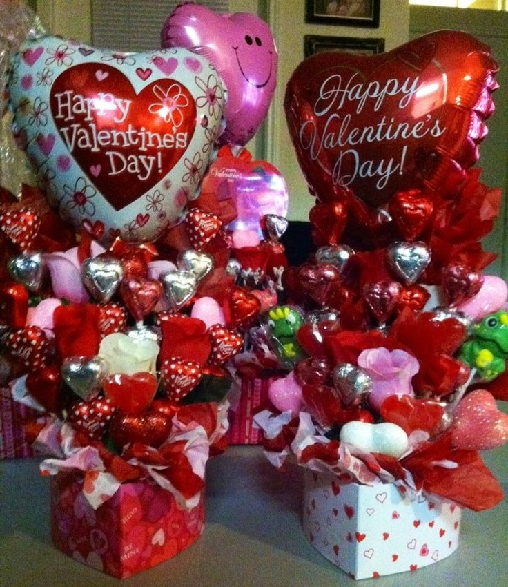 1000 Ideas About Valentines Day Baskets On Pinterest