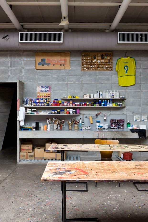 DESIGN^touch | Hands in it with a craft room set up to be messy. Tomie Ohtakes Brazilian home - Ruy Ohtake via Automatism