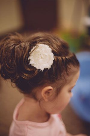 1000 Ideas About Flower Girl Hairstyles On Pinterest
