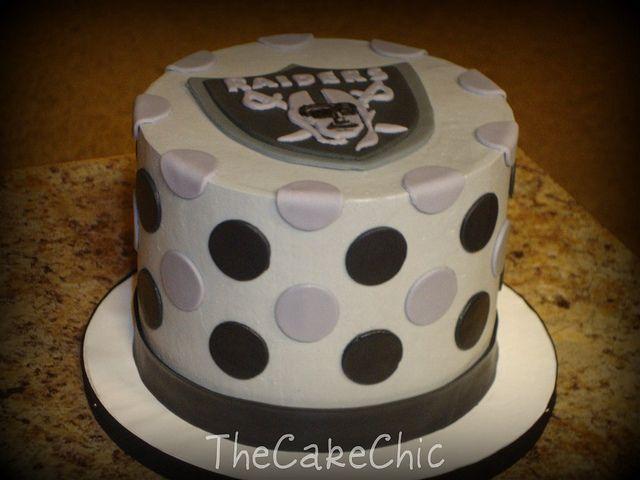 Raiders Cakes Cake 011 Mini Wedding Cake Oakland Raiders Grooms Cake Strawberry Cake It