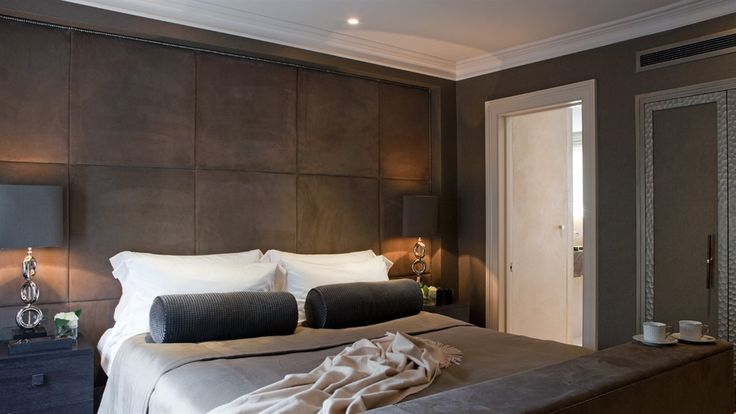 Rich Chocolate Suede Padded Wall With Cappuccino And
