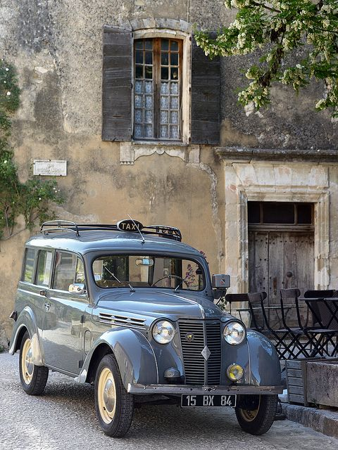 Vintage car from South of France – Vaucluse