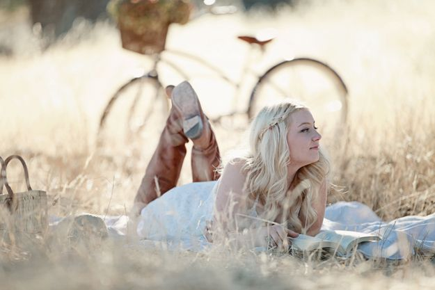 senior picture ideas for girls   Dreamy Whites: My First Senior Portrait Session