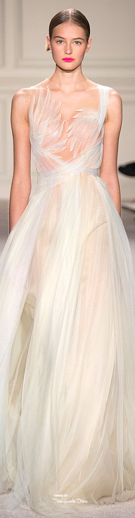 I coukd never wear it… but it is art. Like a ballet costume.  Marchesa Spring 2016 RTW ♔ Très Haute Diva ♔