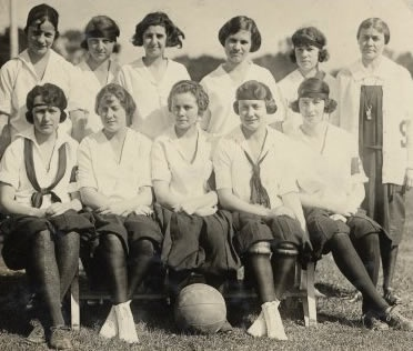 56 best images about Vintage women's basketball on ...