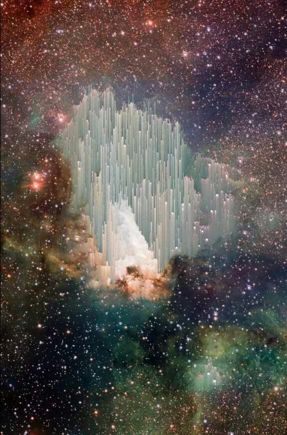 This is a pic caught by Hubble Scientists cant figure out