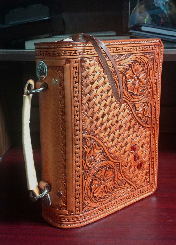 Custom Hand Tooled Leather Bible Cover With Zipper