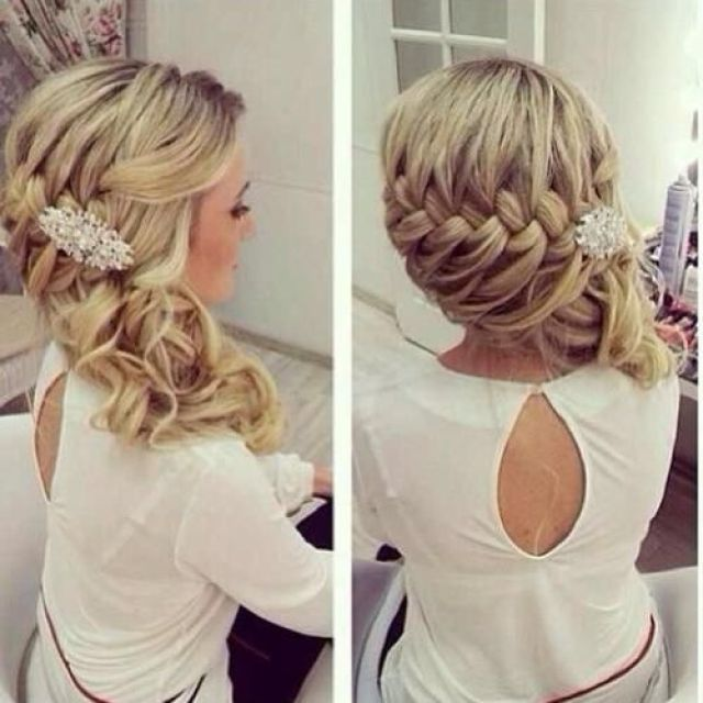 beautiful.... i wonder if this could be done to only half... half up half down with side bride?!?: