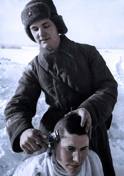 Soviet Soldiers A HaircutWW2 W O R L D W A R II