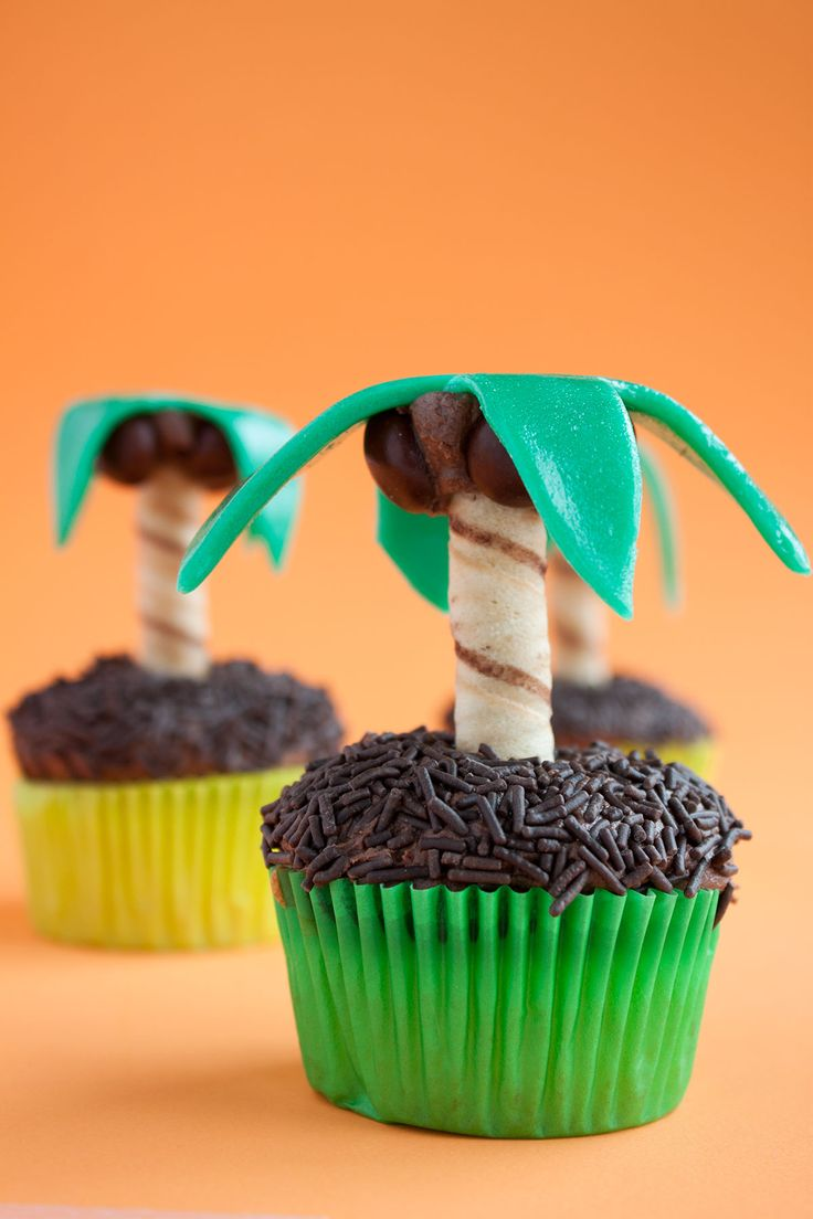 25 Best Ideas About Palm Tree Cakes On Pinterest Wave Cake Luau Cupcakes And Beach Birthday