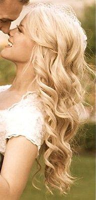 long loose curls for a soft romantic wedding day look wedding hair pinterest hair wedding