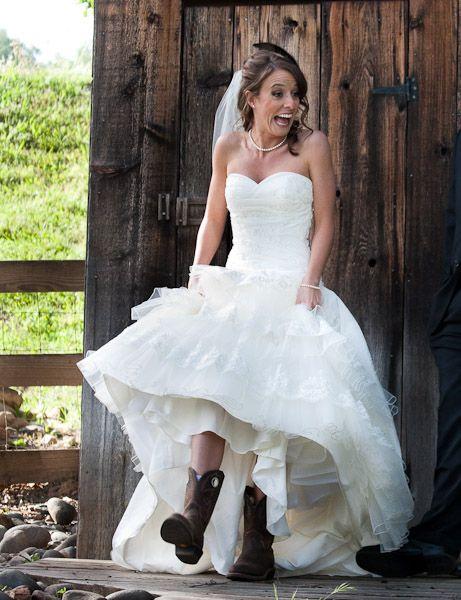 1000 Ideas About Cowboy Wedding Dresses On Pinterest
