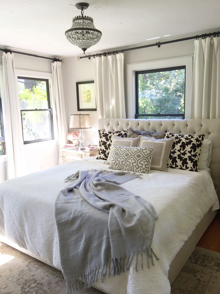25 Best Ideas About Curtains Behind Bed On Pinterest Curtain Behind Headboard Window Behind