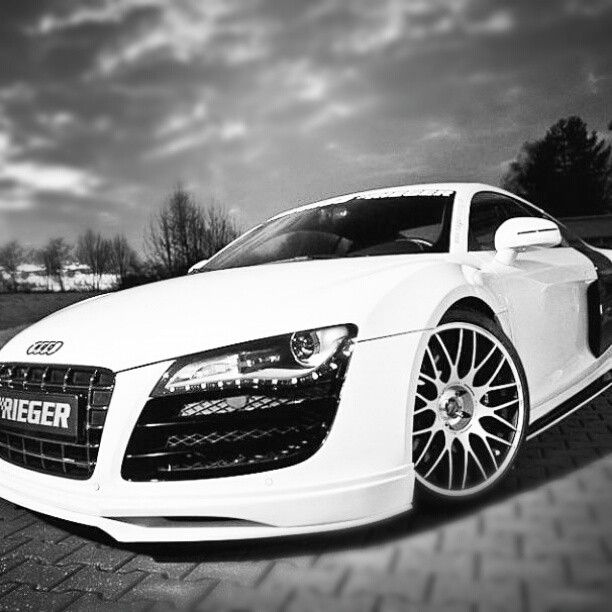 If anyone wants to buy me a car….. An Audi r8 is the one