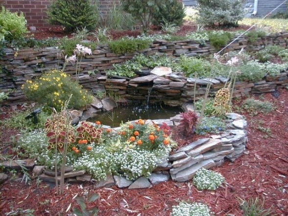 17 Best images about Front-yard pond ideas on Pinterest ... on Front Yard Pond  id=98181