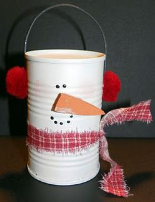 Snowman from tomato paste can...I think my kids can do this for our holiday present!!! Christine!!!!: