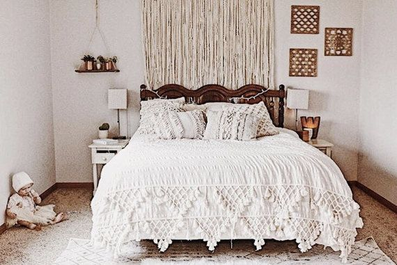 1000+ Ideas About Above Bed Decor On Pinterest