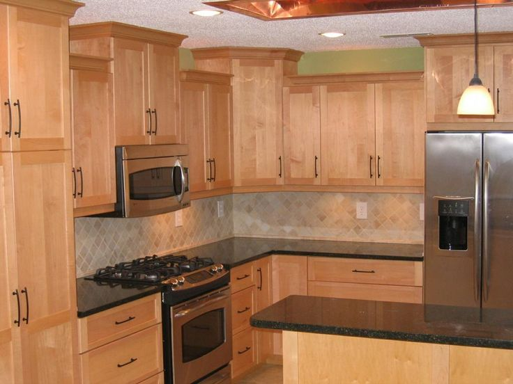 countertops for maple cabinets | Maple cabinets:Quartz ... on What Color Backsplash With Maple Cabinets  id=36054