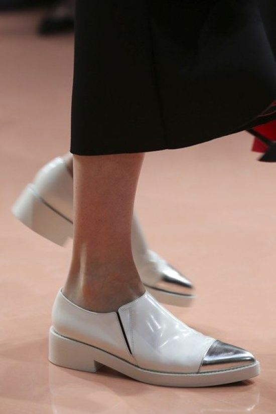 Marni AW 14/15 alice essential footwear for glam formal events when you dont want to wear those heels , the oxford style flats in silver and white are quirky yet demure , great power dressing for feet in aw2014 alice: