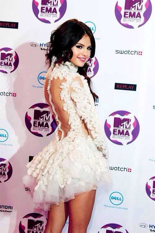 Selena Gomez EMAs White Lace Dress Red Carpet Style