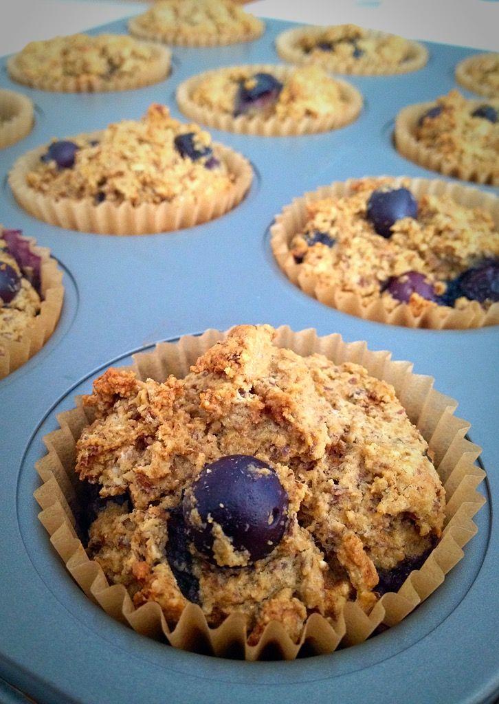 """Résultat de recherche d'images pour """"Blueberry Almond Power Muffins"""""""