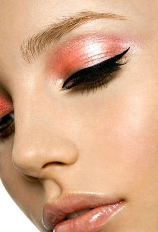 Salmon Pink Eye Makeup