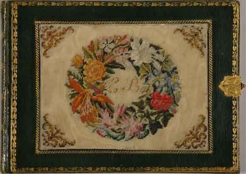 Альбом из семьи Малиновских. 1840–1870-е годы. Кожа, золотое тиснение, вышивка бисером: