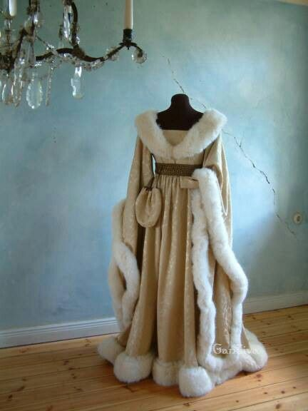 Beautiful winter gown/coat.. love it  3