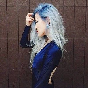 Blue roots are clearly becoming a thing. You can try deep blue to platinum like this … | 15 Surprisingly Gorgeous Ways To Rock