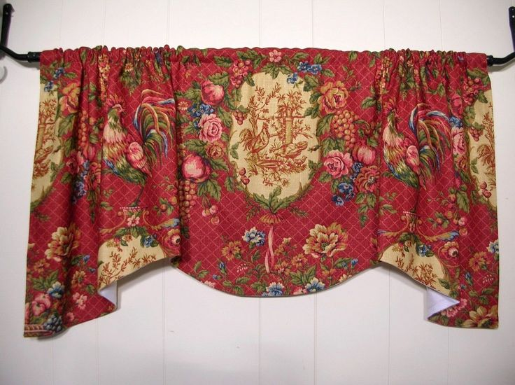 Waverly Saison De PrintemptsRED ROOSTER TOILEVALANCEComfortingCottage Cottages Toile And