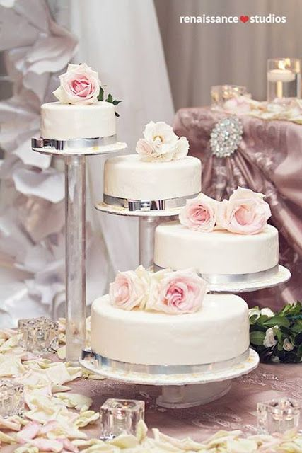 Split Tier Wedding Cake Simply Beautiful Weddings
