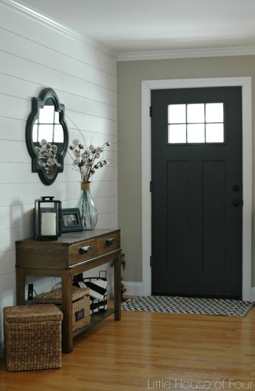 Entryway paint color - painted door