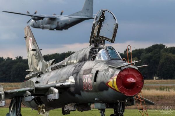 Su-22M4 Su-22 Display Team Polish Air Force | Sukhoi Su-22 ...