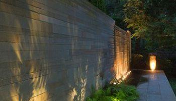 Pareti Esterne Illuminate : 7 idee per realizzare pareti di sostegno nel giardino guida giardino