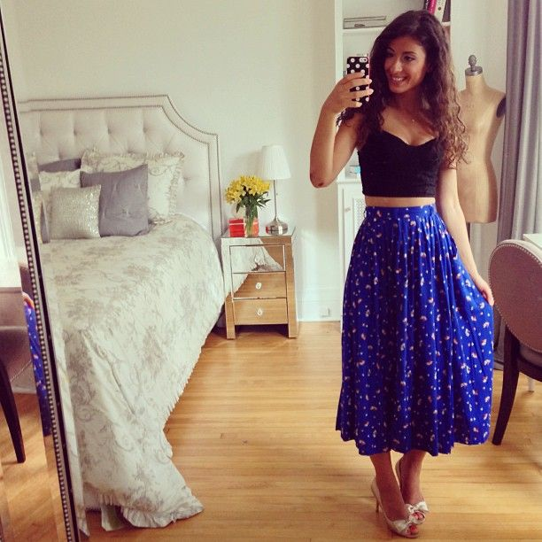 Crop Top Maxi Skirt Mid Calf Length Heels Flowy Fabric