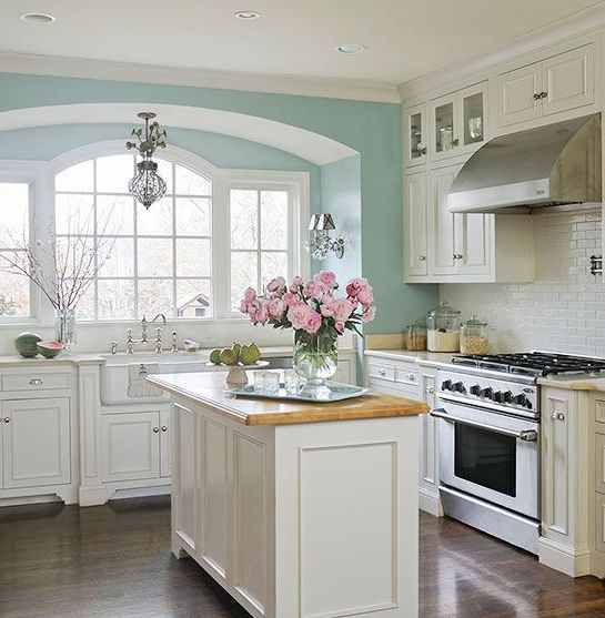 17 best images about tiffany blue kitchen decor ideas on pinterest mixing bowls stove and on kitchen decor blue id=32659