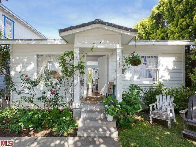 17 Best Ideas About Tiny Beach House On Pinterest