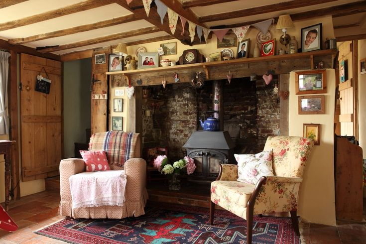 Best 25+ Cottage Living Rooms Ideas On Pinterest