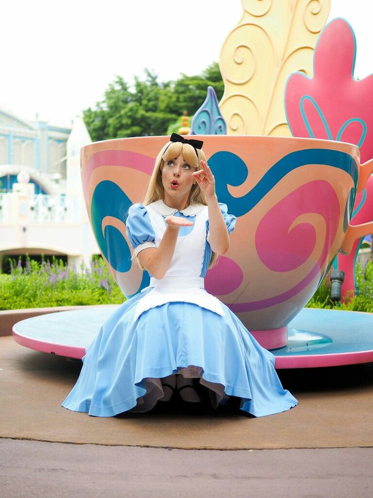 483 Best Images About Alice In Wonderland On Pinterest Disney Mad Tea Parties And Tea Parties