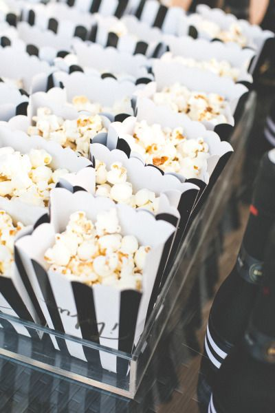 MONOCHROME PARTY IDEAS - Black and White baby shower. Popcorn