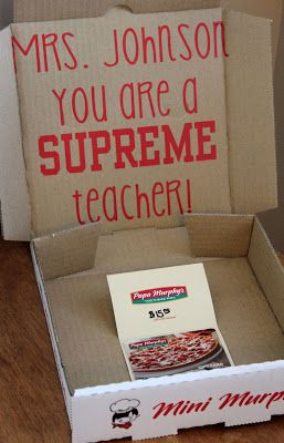 Teacher appreciation Pizza gift, made using your Silhouette to cut the Vinyl – love this idea!