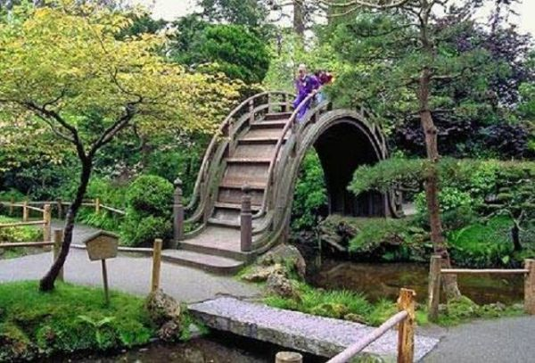 traditional japanese garden design Japanese Home Gardens | Terrace and Garden Designs