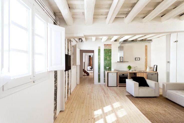 Plafond Avec Poutres Apparentes Peintes En Blanc Deco