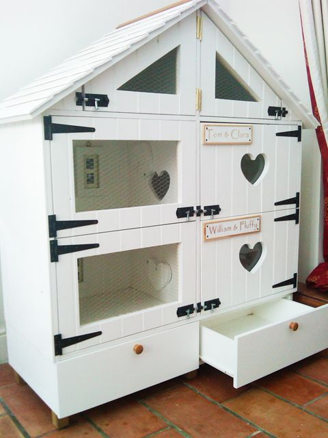 This makes me want both it and some guinea pigs.  :)  So cute!