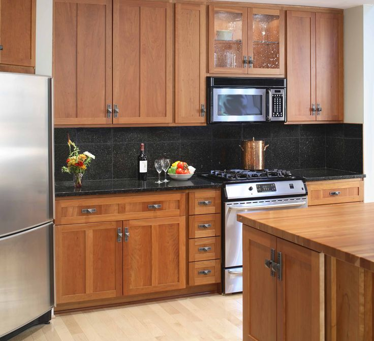 what color wood floor goes with maple cabinets | , Good ... on What Color Backsplash With Maple Cabinets  id=98617