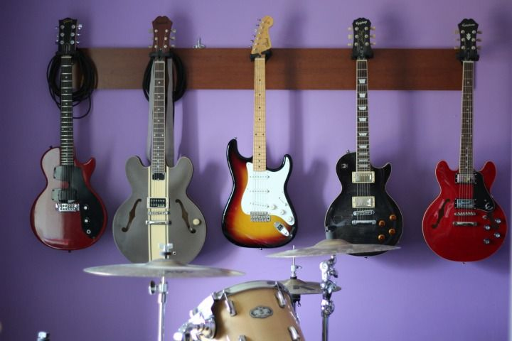 17 best images about guitar wall hanging ideas on on guitar wall hangers id=14765