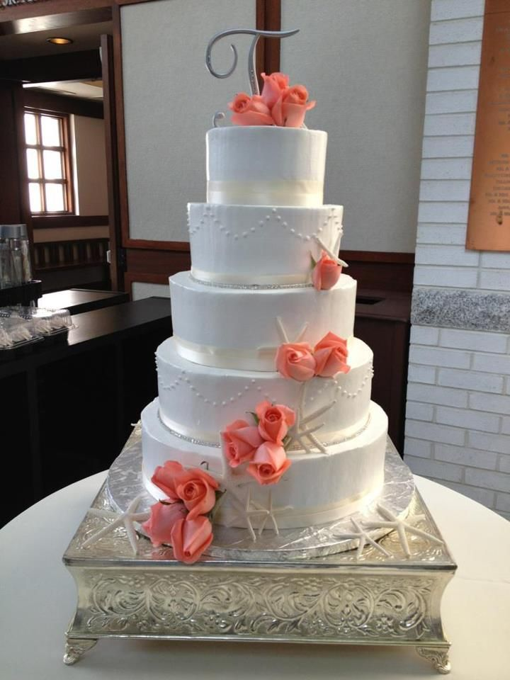 Like This Cake In Ivory Minus The Beach Theme And Use Our