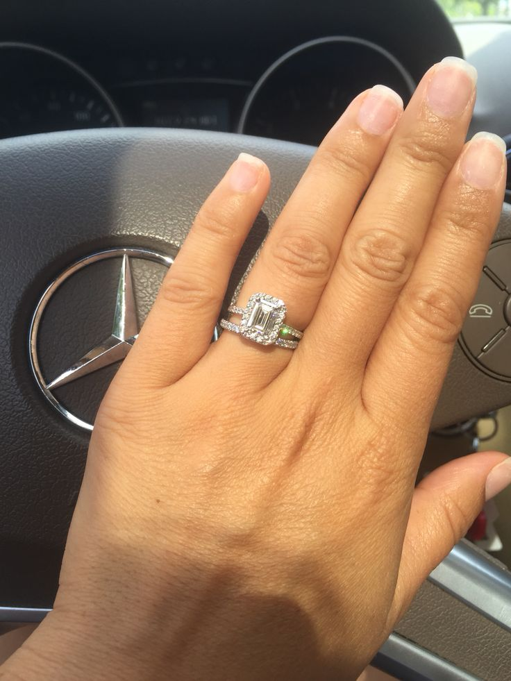This Emerald Cut Is GorgeousD Color VS1 Tiffany Soleste