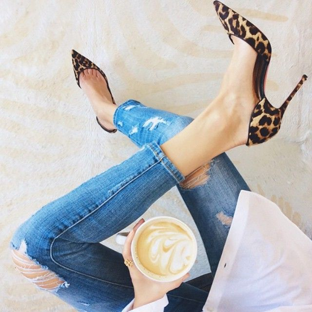 Leopard pumps and slashed jeans – my look
