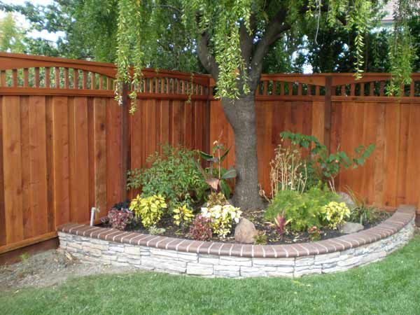 32 best images about corner gardens ideas on pinterest on backyard fence landscaping id=70777